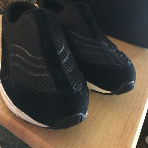 Easy Spirit FREESHIP Slip On Shoes